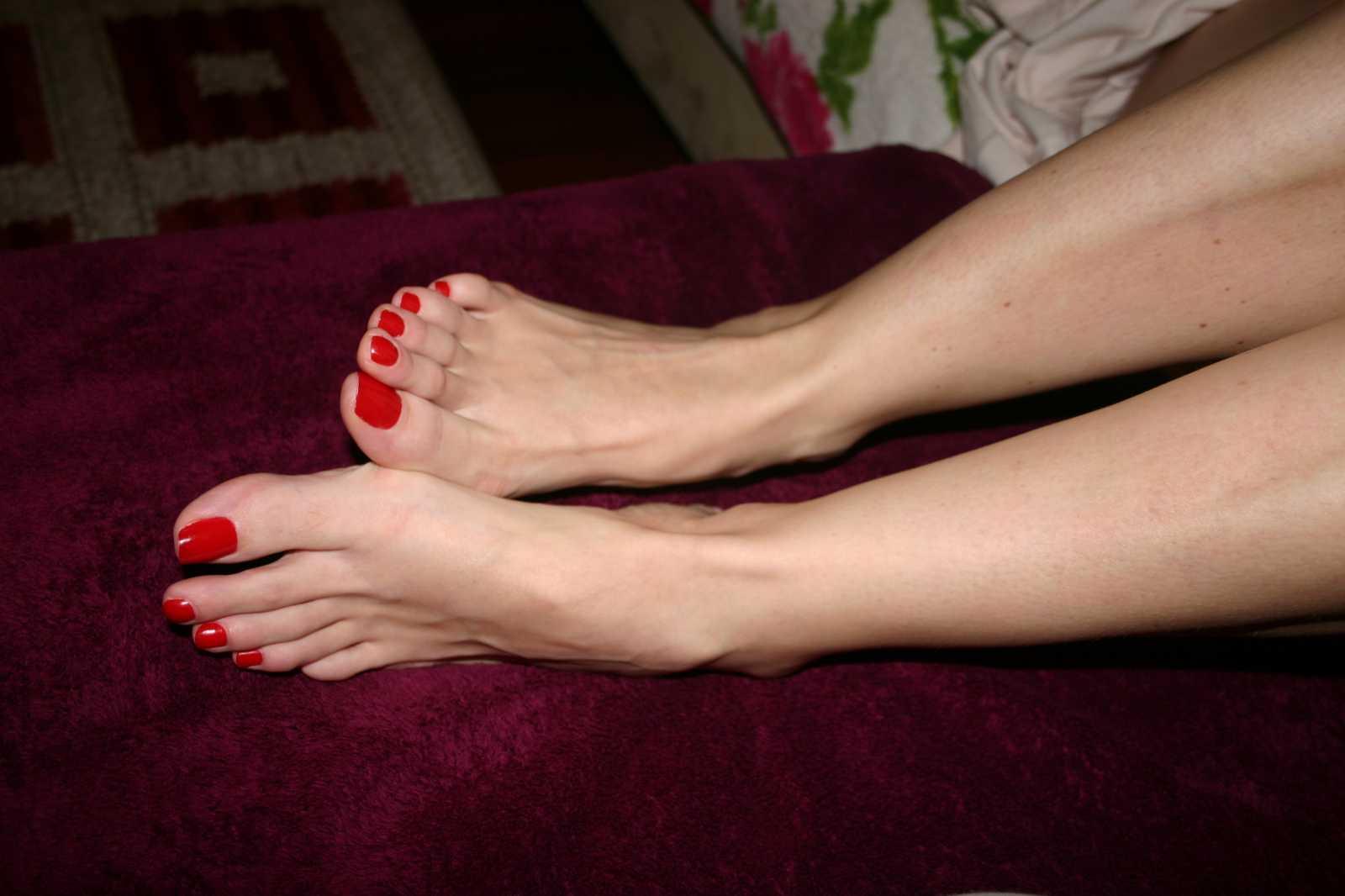 Порно видео онлайн сперма на пальчиках ног
