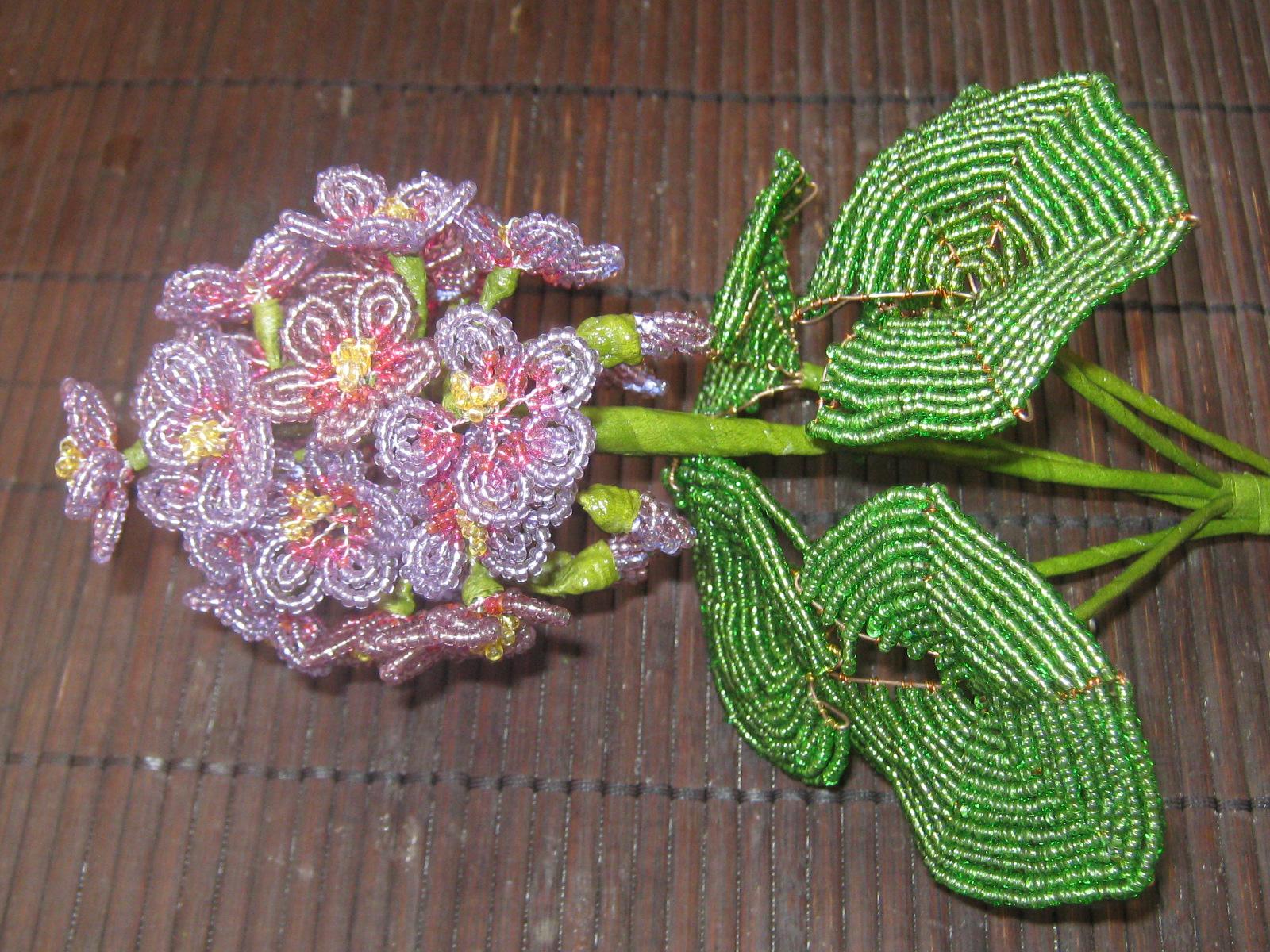 Flowers made of beads. .  Все о рукоделии: схемы, мастер классы, идеи на сайте labhousehold.com.