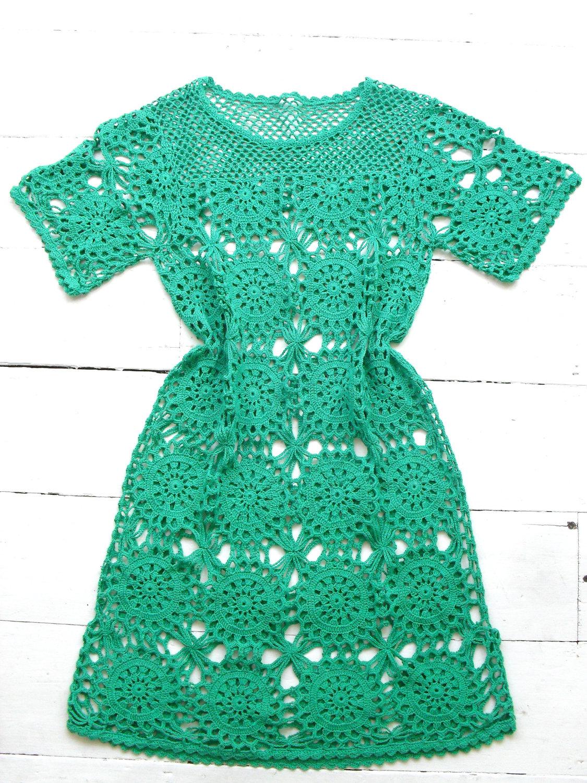 Вязаное платье из мотивов крючком фото