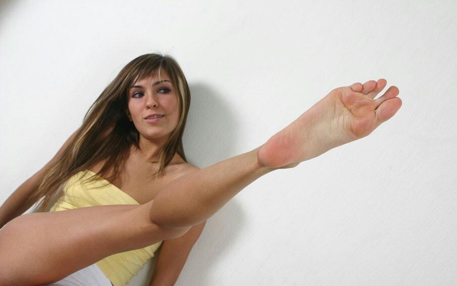 Long-Toes-Olga-Big-Feet-Foot-Fetish-21 01 / VFL.Ru это, фотохостинг без рег