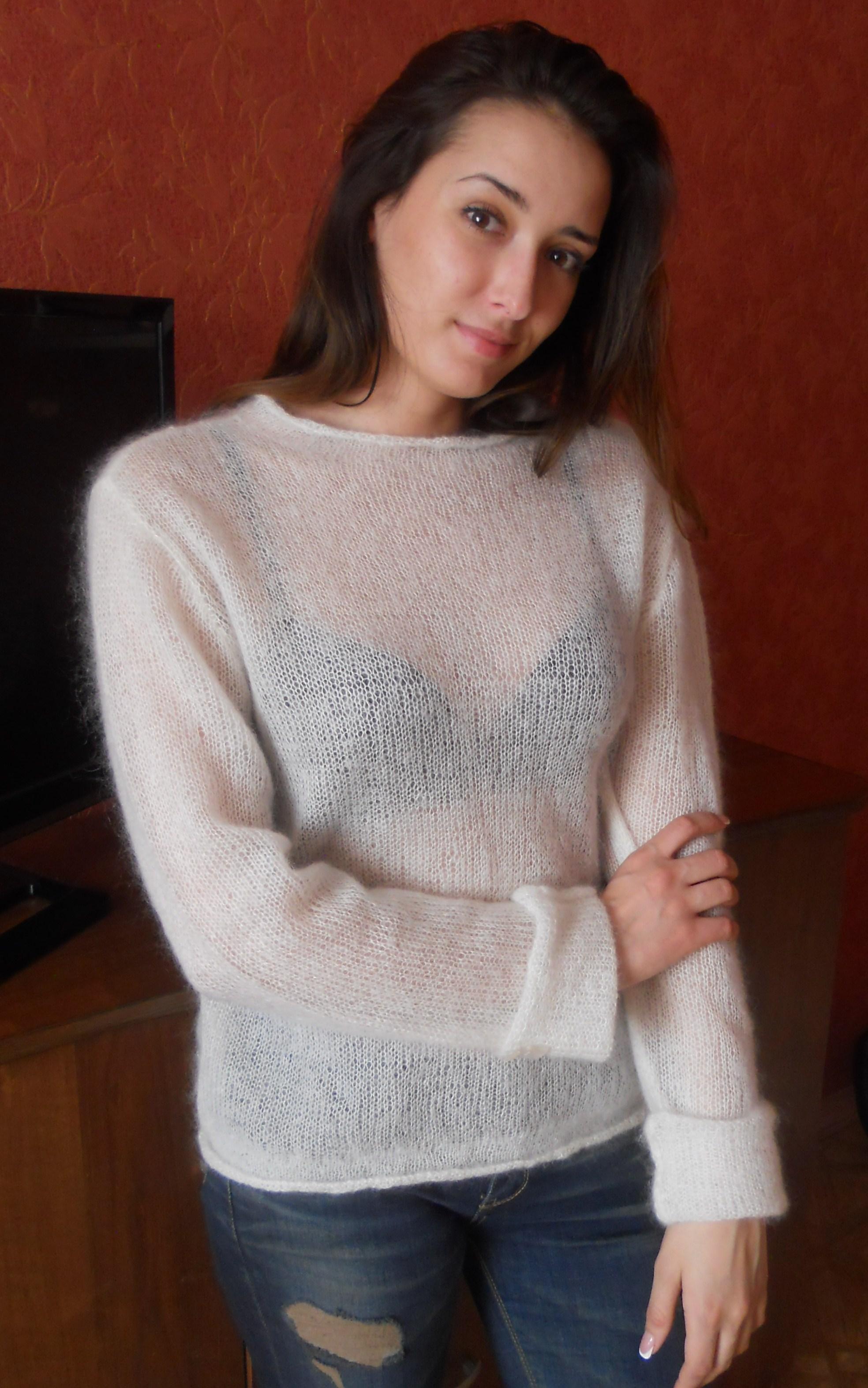 Пуловер из тонкого мохера доставка