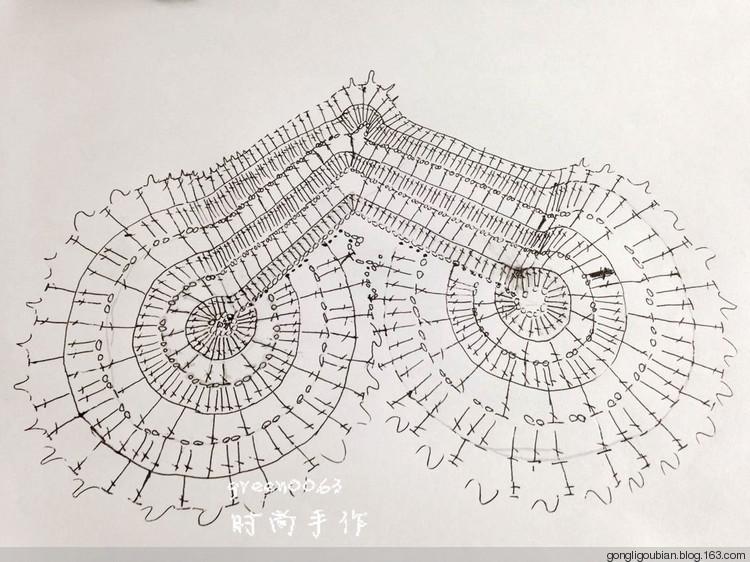 Схемы вязания крючком платье с сердечками