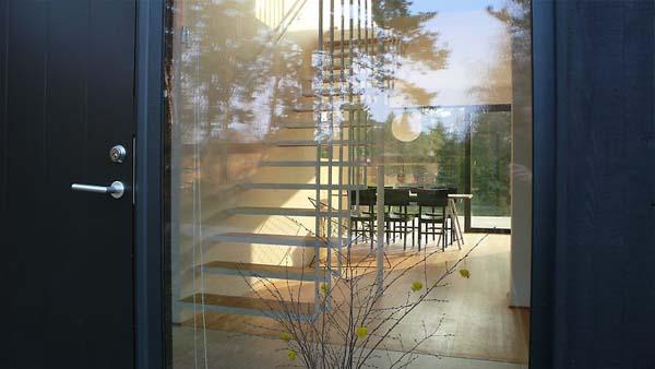 Большие окна и прозрачные межконматные перегородки