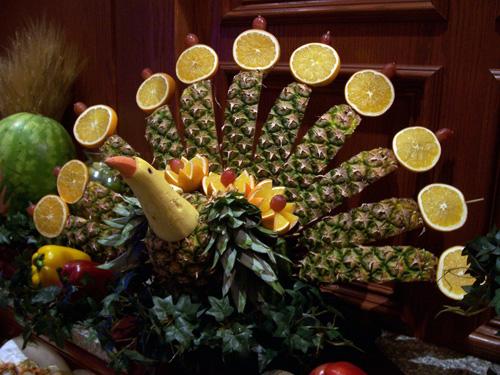 Как сделать фруктового павлина своими руками Почитать