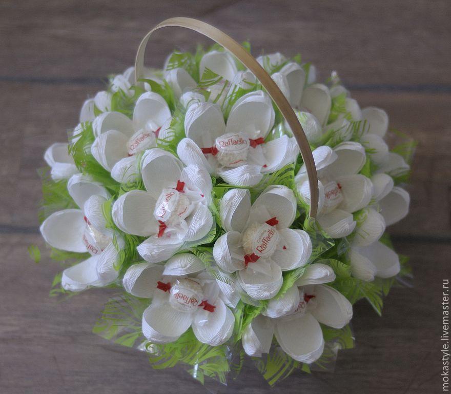 Букет из конфет с рафаэлло Цветет сирень