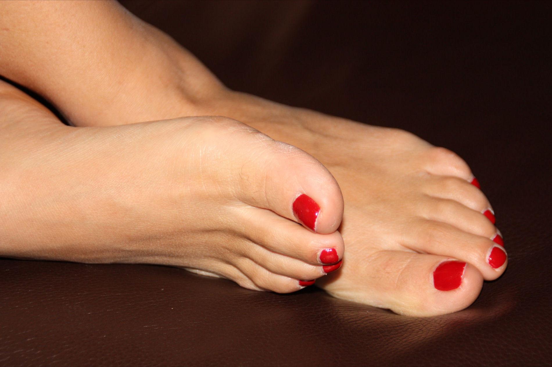 кого-то эта качественные фото женских пальчиков ног удалось поймать