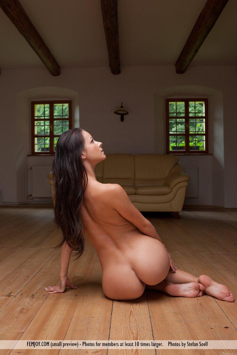 naked-yoga-big-booty