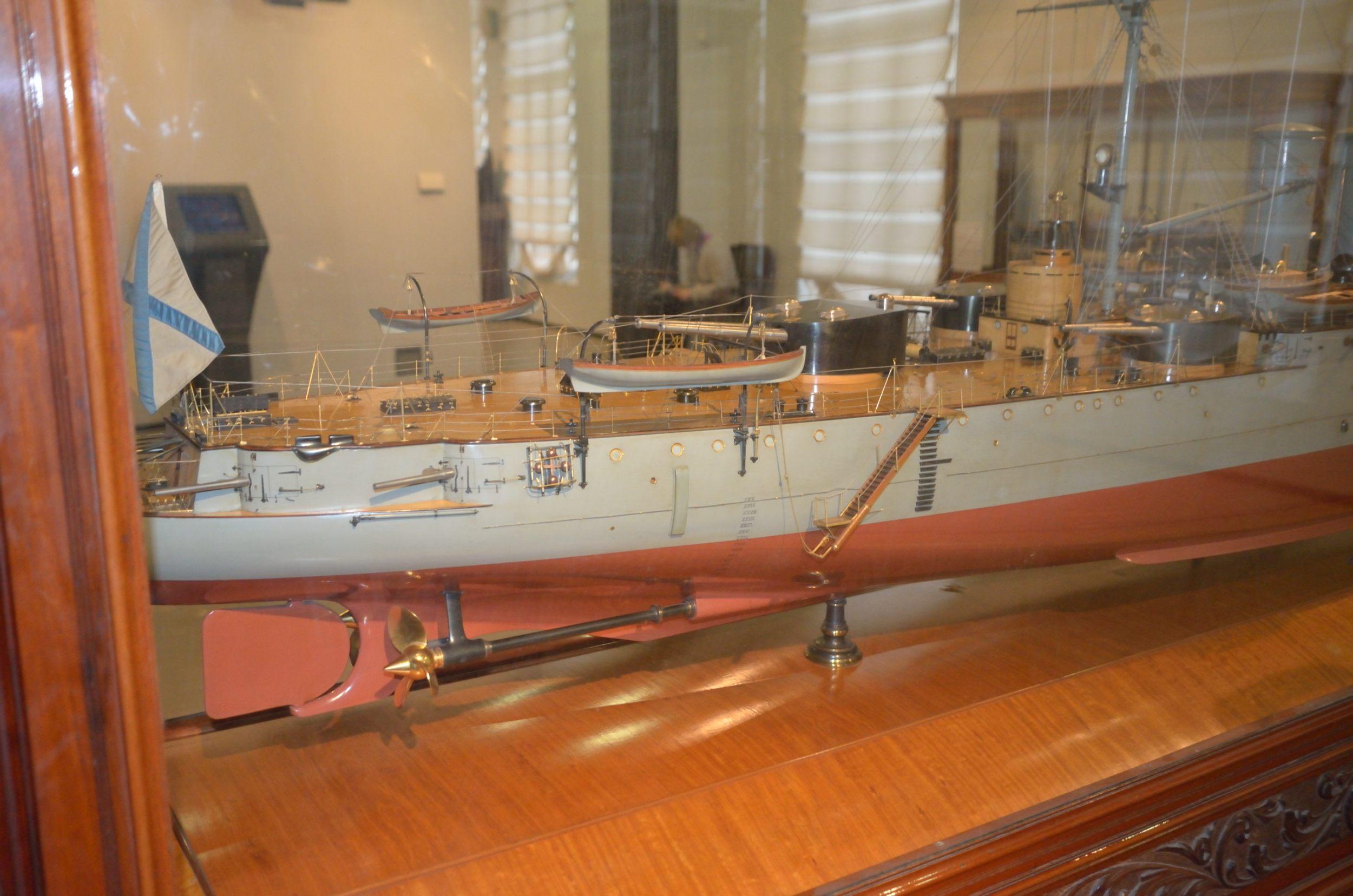 крейсер рюрик фото шпунтованные