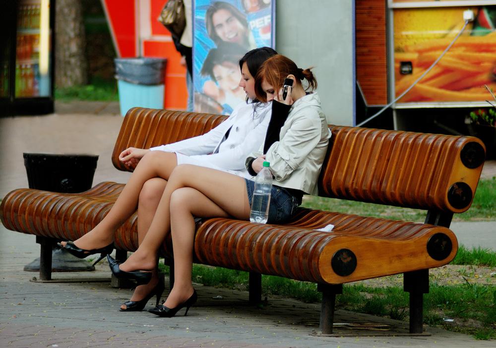 mnogo-foto-russkih-zhenskih-nozhek-na-ulitse-seks