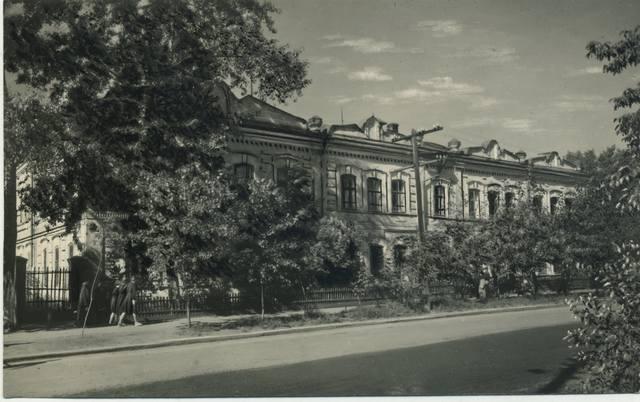 http://images.vfl.ru/ii/1493004719/3853546d/16974918_m.jpg