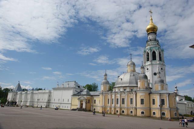 http://images.vfl.ru/ii/1497540482/90262ea4/17583641_m.jpg