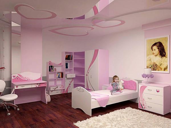 Наятжной потолок в детской