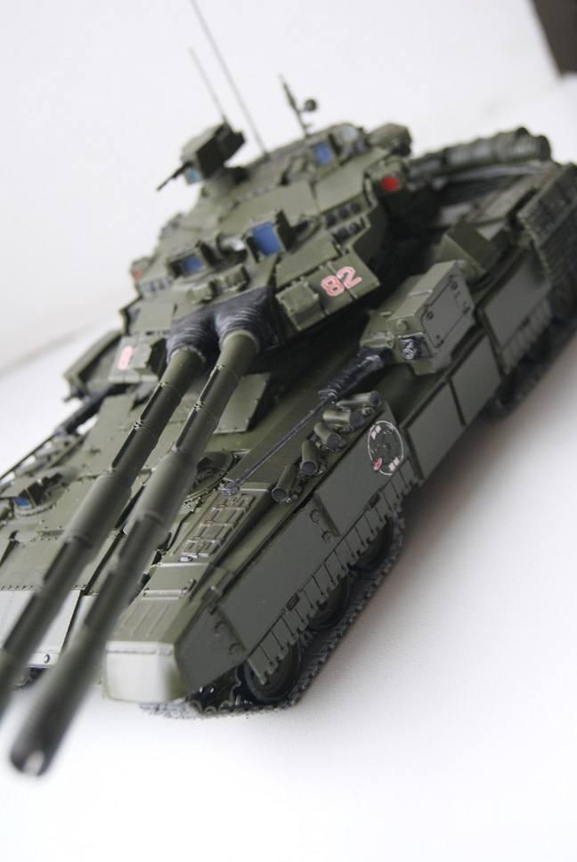 """Танк Т-145 типа """"Молот"""", масштаб 1\35, конверсия-самоделка 18378000"""