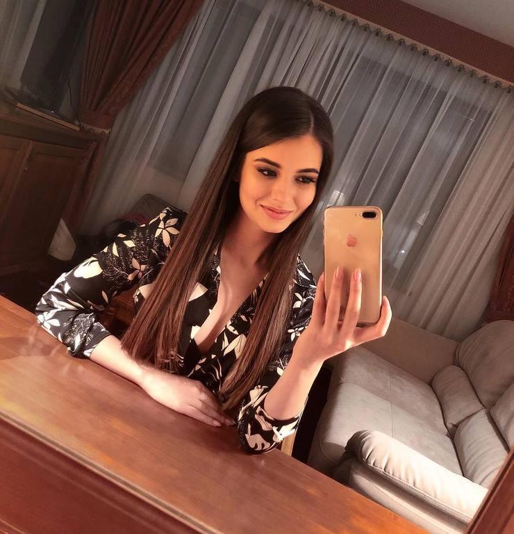 candidatas a miss russia 2018. final: 14 abril. - Página 6 21123595