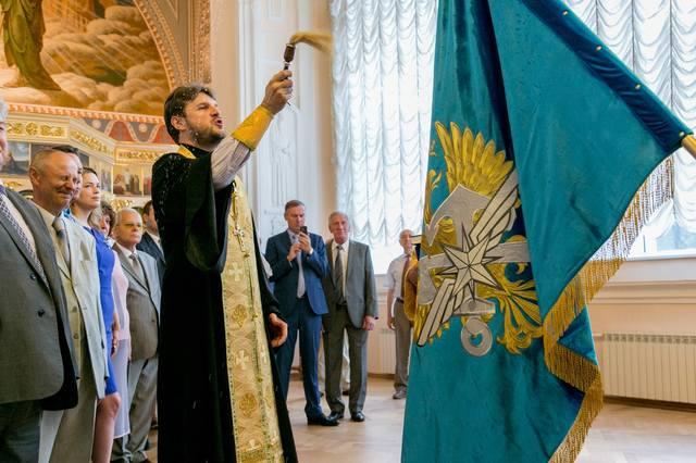http://images.vfl.ru/ii/1530363320/a12f7590/22306902_m.jpg