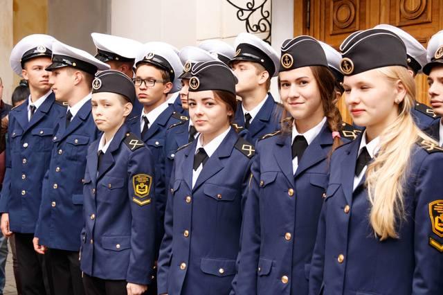 http://images.vfl.ru/ii/1530550952/61642d43/22332362_m.jpg