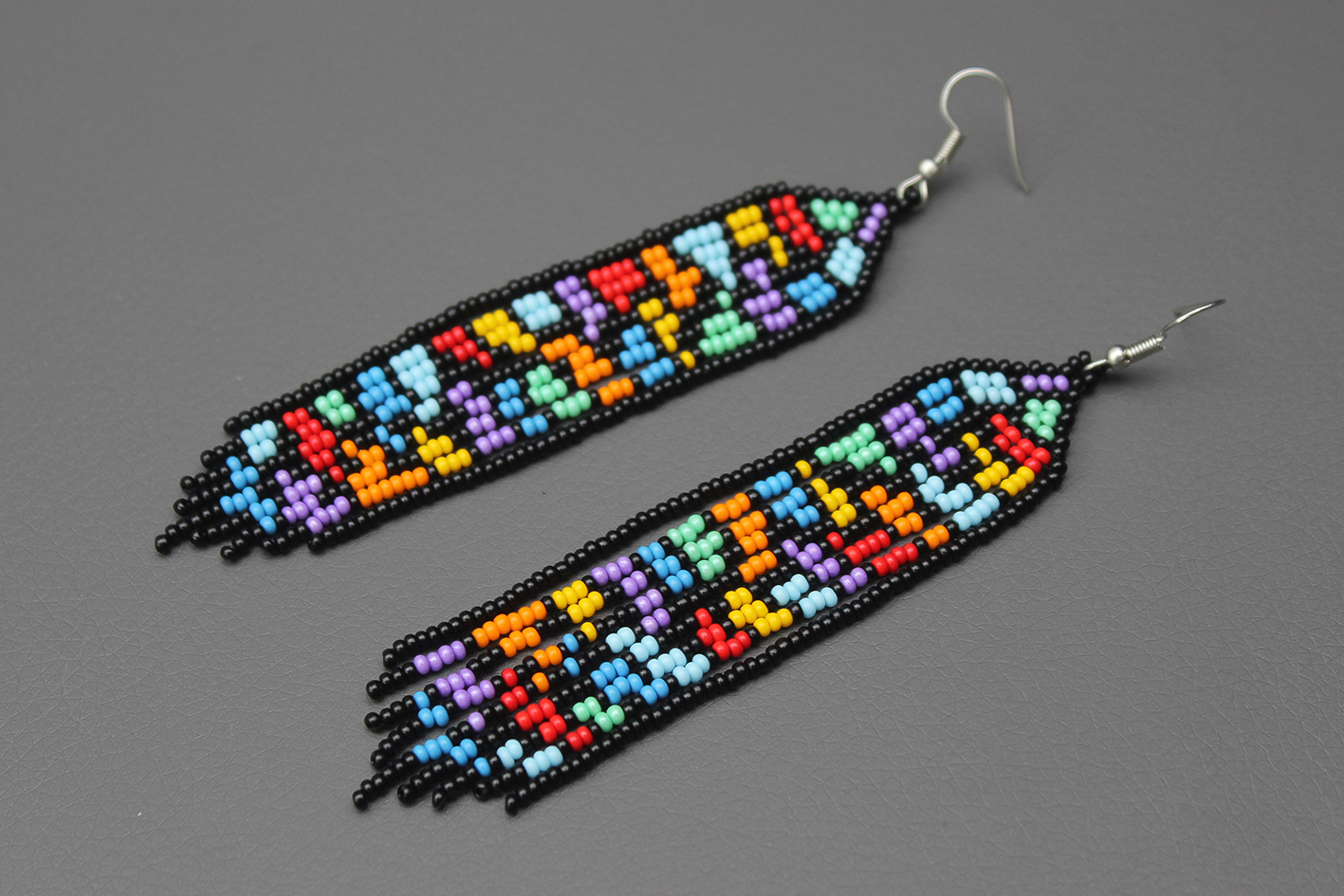 Beaded earrings Native american earrings Long earrings Seed bead earrings Silver earrings Fringle earrings Handmade earrings
