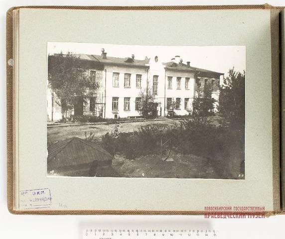 http://images.vfl.ru/ii/1534745771/54e5a18f/22961680_m.jpg