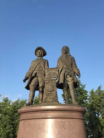 Памятник Василию Татищеву иВильгельму деГенину вЕкатеринубрге