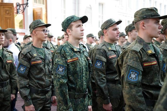 http://images.vfl.ru/ii/1536569402/1f002f3a/23270059_m.jpg