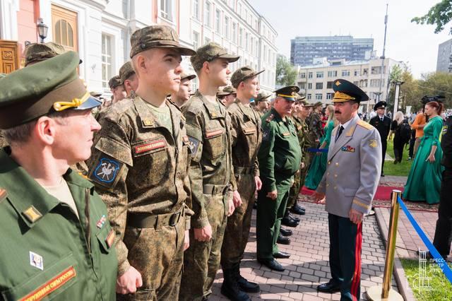 http://images.vfl.ru/ii/1536569411/f868a07d/23270066_m.jpg