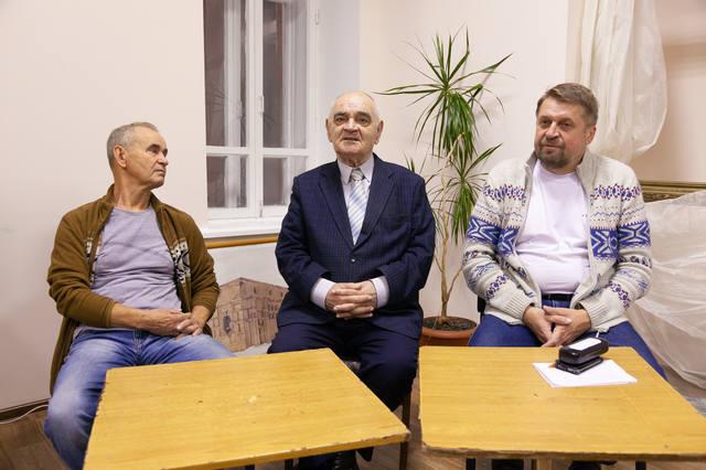 http://images.vfl.ru/ii/1543239716/b12fe044/24359590_m.jpg