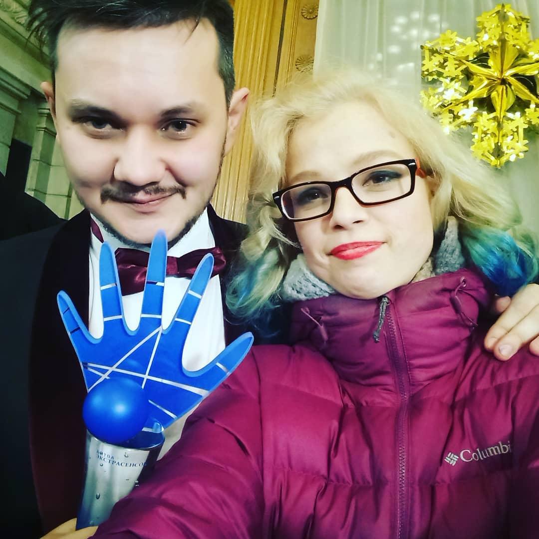 Варвара Панина поздравляет Тимофея Руденко с победой