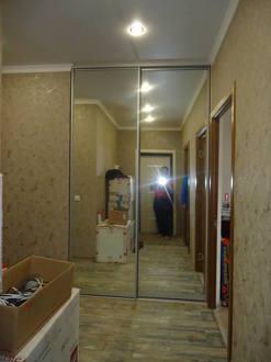 Зеркальные раздвижные двери для гардеробной Стоимость 16000 ₽