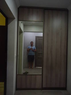 Встроенный шкаф купе для прихожей с зеркалом Стоимость 18000 ₽