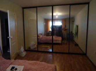 Шкаф купе четырёхдверный встроенный зеркальный Стоимость 54000 ₽