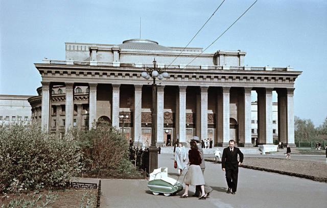 http://images.vfl.ru/ii/1549119646/22fab687/25224563_m.jpg