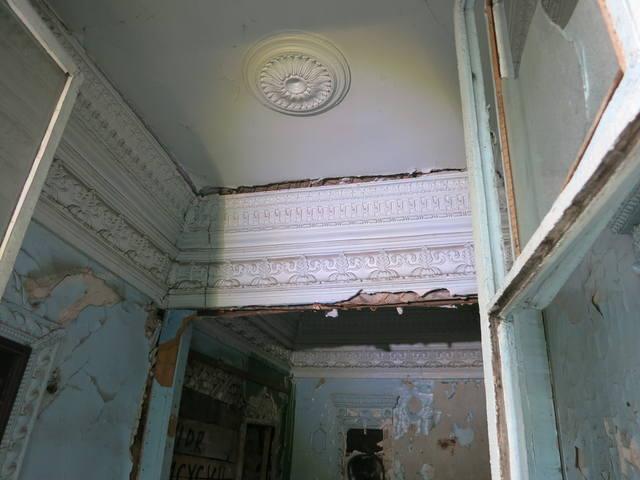 http://images.vfl.ru/ii/1549885955/b8a81f90/25347011_m.jpg