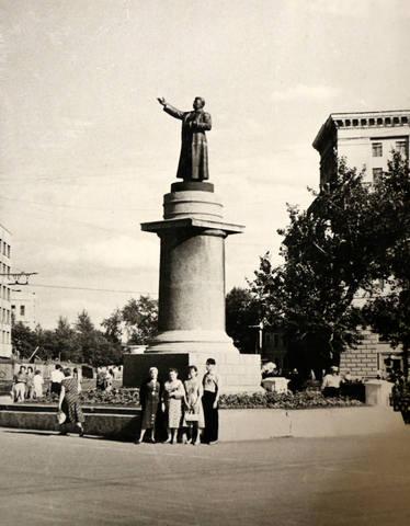 http://images.vfl.ru/ii/1554921789/04d2c23e/26141645_m.jpg