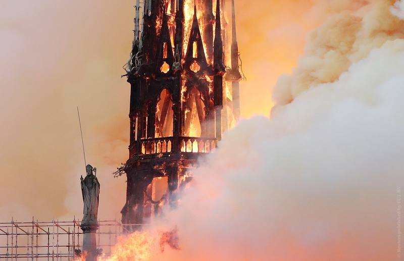 Парижский собор Нотр-Дам-де-Пари