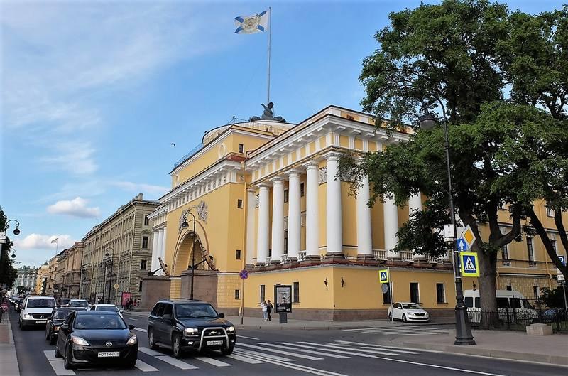 Адмиралтейская набережная Санкт-Петербурга