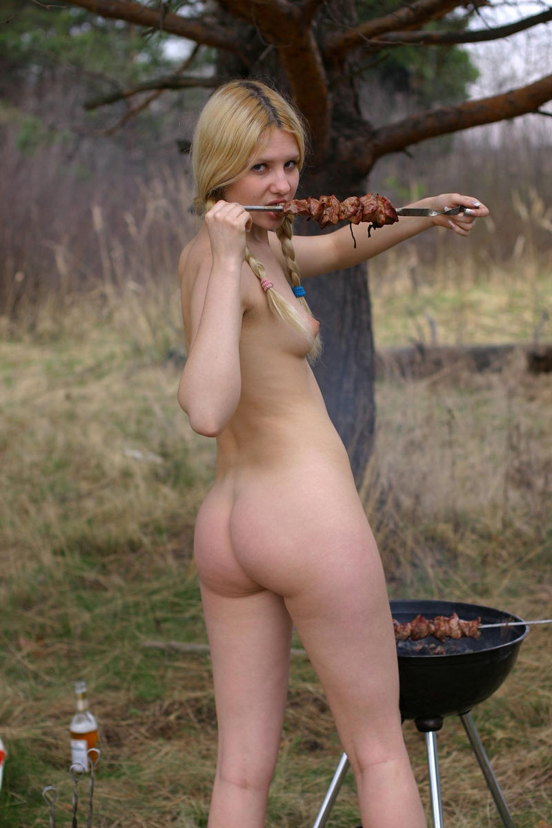 Hot-russian-blonde-cooks-BBQ-with-no-clothes-17