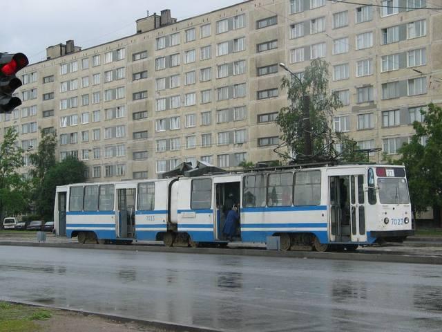 http://images.vfl.ru/ii/1557861884/a8936651/26535956_m.jpg