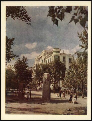 http://images.vfl.ru/ii/1558452804/4595af93/26612401_m.jpg