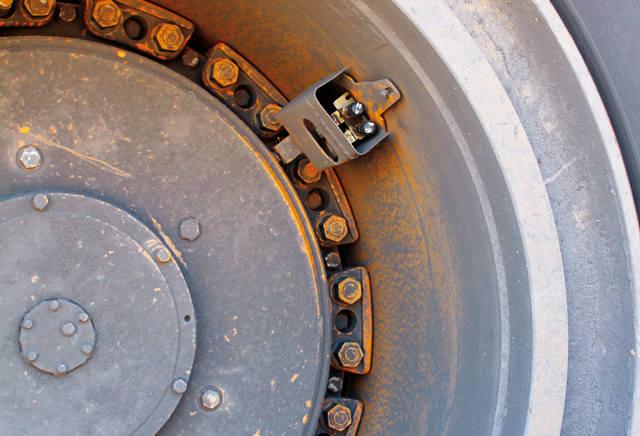 Восточно-Бейский разрез, датчики давления в шинах