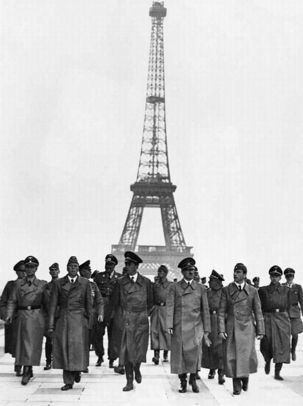 3-1.Гитлер в Париже