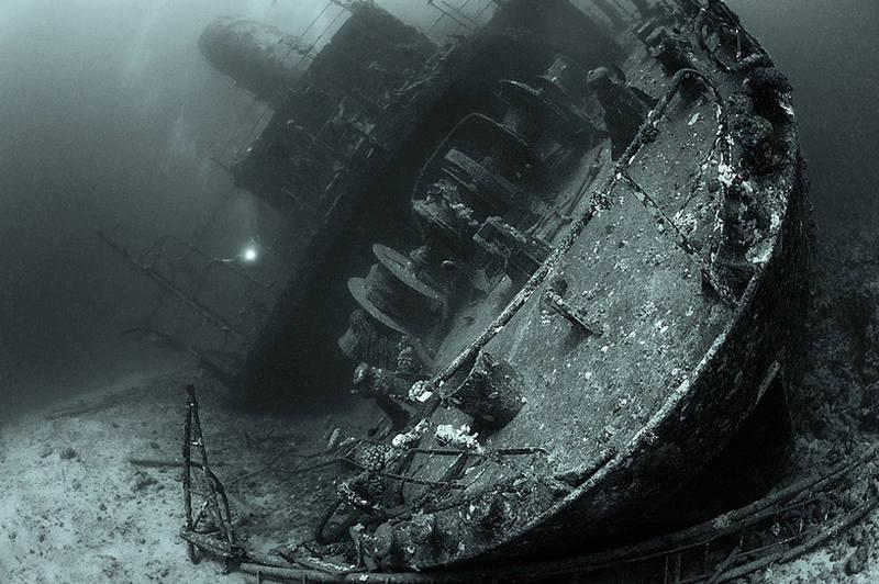 фото крушение лайнера адмирал нахимов позволяет значительно