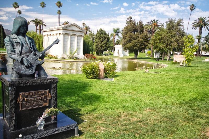 hollywood-forever-cemetery-8