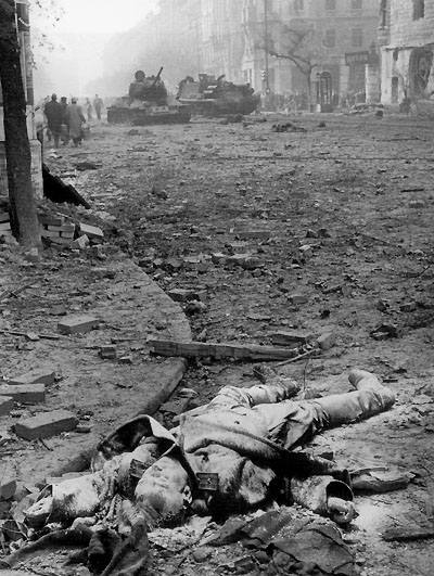 Убитый советский офицер, Будапешт, 56