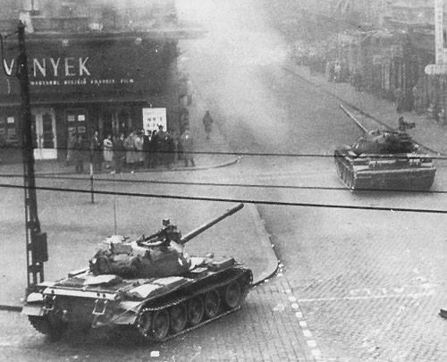 Советские танки в Будапеште 56