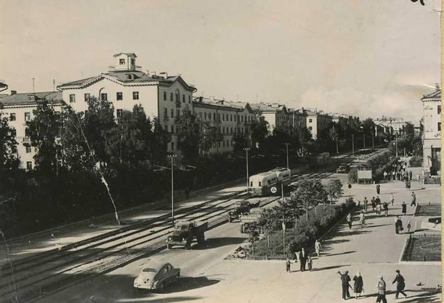 http://images.vfl.ru/ii/1573036297/1d89897e/28465710_m.jpg