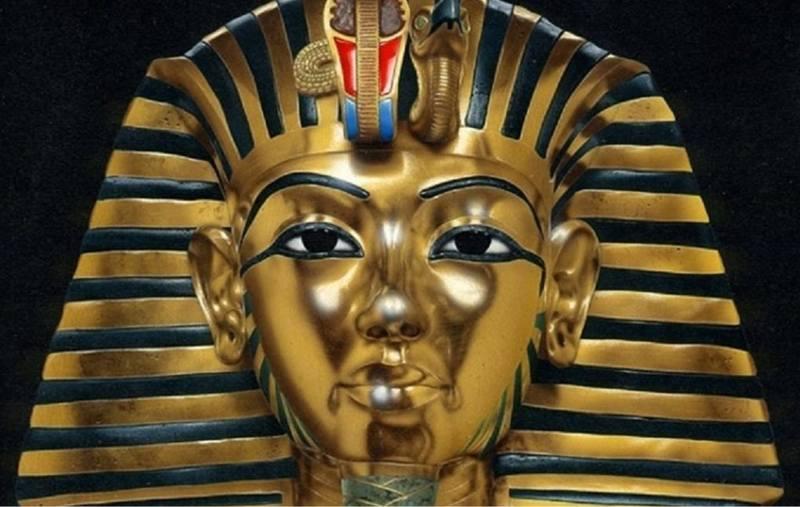 3 января - День соломинки tutanhamon-1024x650