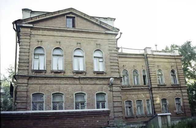 http://images.vfl.ru/ii/1579284078/897ce59c/29235750_m.jpg