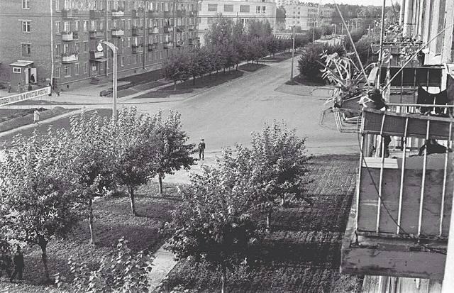http://images.vfl.ru/ii/1581579666/ed3b2467/29557897_m.jpg