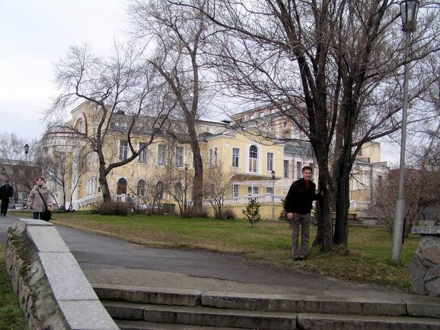 http://images.vfl.ru/ii/1582121872/433a360b/29633803_m.jpg