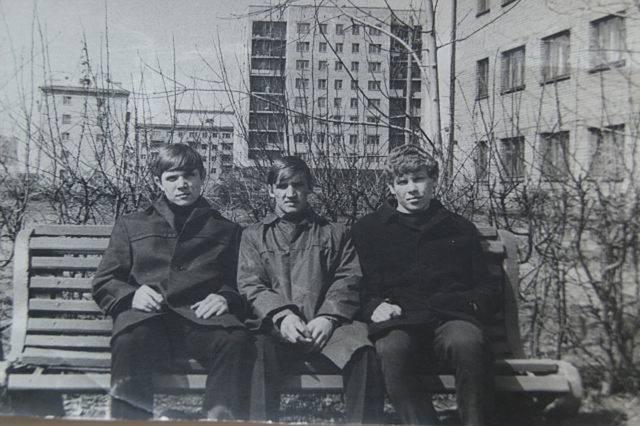 http://images.vfl.ru/ii/1584375114/ce5d58b2/29895778_m.jpg